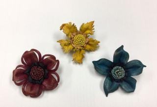 レザークラフト 革の花 ブローチ