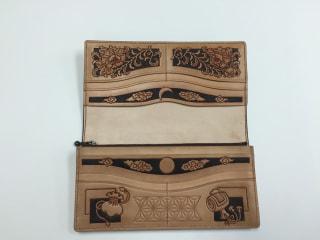 レザークラフト フィギュアカービング財布内側