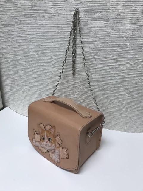 フィギュアカービング猫斜め レザークラフト教室 革工芸教室
