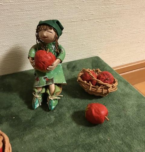 革人形りんご収穫3 レザークラフト教室 革工芸教室
