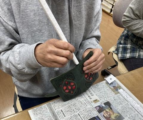 布とのコラボ携帯ケース レザークラフト教室 革工芸教室