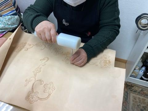 革の小箱カービング レザークラフト教室 革工芸教室