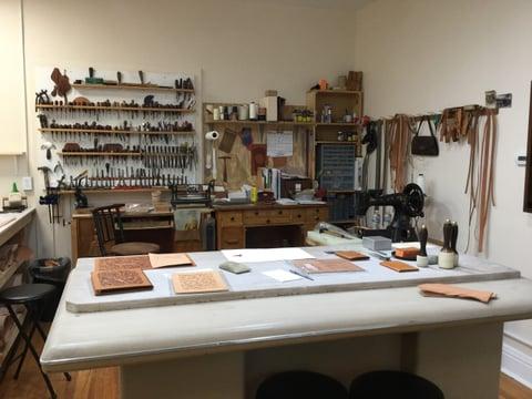 ジム ジャクソンさん工房5 レザークラフト教室 革工芸教室