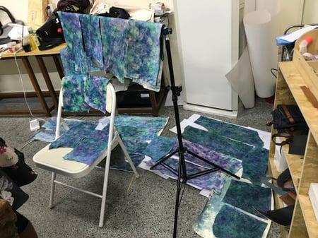 講習会しぼり染め乾燥中 レザークラフト教室 革工芸教室