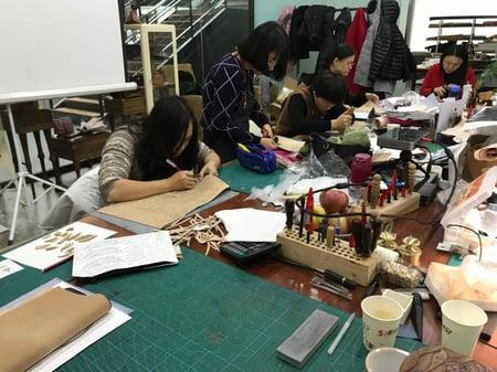 講習会パーツ切り出し レザークラフト教室 革工芸教室
