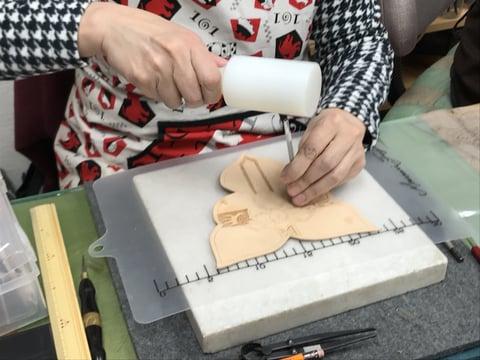 カービング レザークラフ 教室 革工芸教室