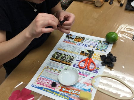 花のブローチ レザークラフト教室 革工芸教室