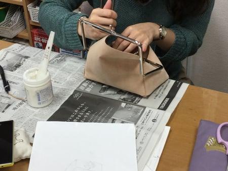 口金試験中 レザークラフト教室 革工芸教室