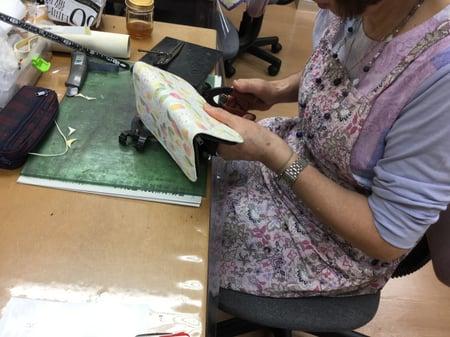 手書き更紗 レザークラフト教室 革工芸教室