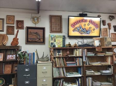 スタジオ内展示ー4 レザークラフト教室 革工芸教室