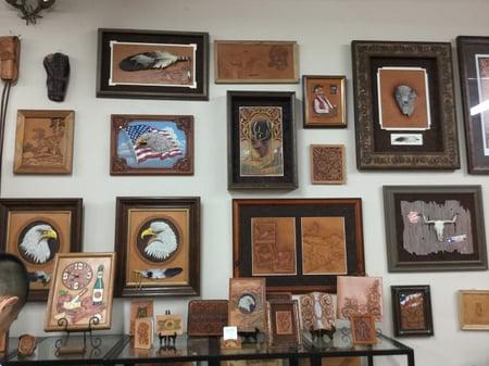 スタジオ内展示ー3 レザークラフト教室 革工芸教室