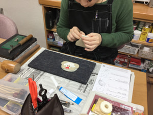 レザークラフト教室 革工芸教室 干支の小銭入れ