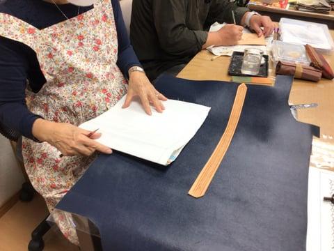 バッグの構想中 レザークラフト教室 革工芸教室