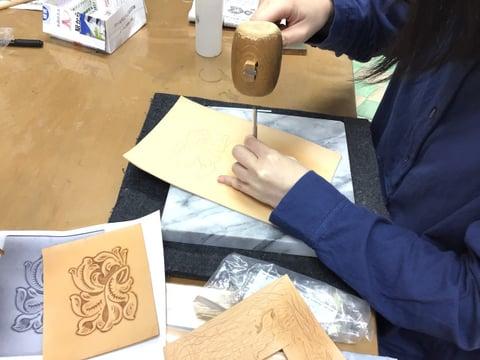 財布カービング レザークラフト教室 革工芸教室
