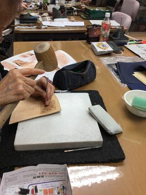 レザークラフト教室 革工芸教室 カービング