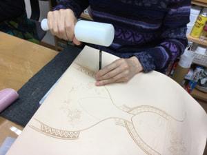 レザークラフト教室 革工芸教室 カービング革絵