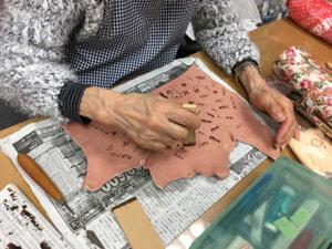 ろうけつ染め技法 レザークラフト教室 革工芸教室