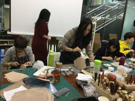 北京講習造形−3 レザークラフト教室 革工芸教室