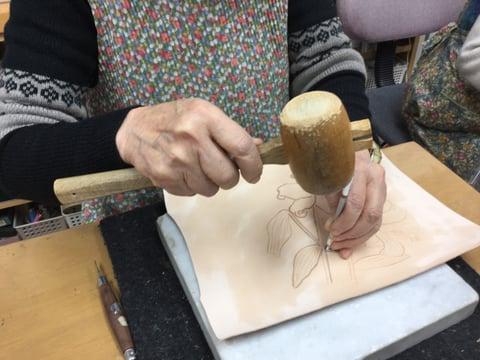 お花のカービング レザークラフト教室 革工芸教室
