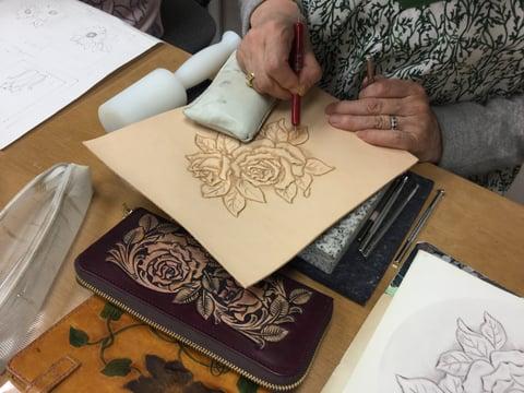 薔薇のカービング レザークラフト 教室 革工芸教室