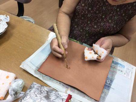 コーン点描 レザークラフト教室 革工芸教室