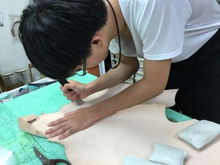 裁断 レザークラフト教室 革工芸教室