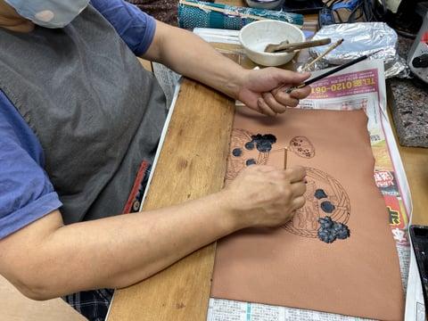 ろうけつ染雛祭り レザークラフト教室 革工芸教室