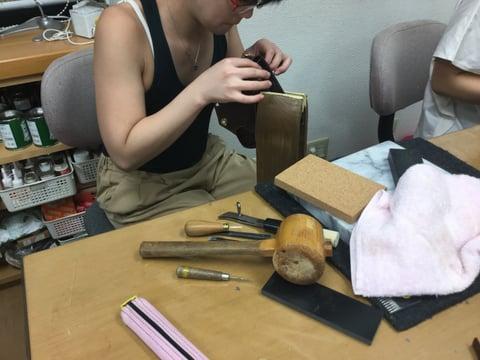 手縫い レザークラフ 教室 革工芸教室