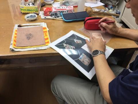 革のペンダント レザークラフ 教室 革工芸教室
