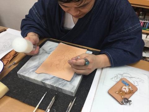 ふぃギュアカービング 金魚 レザークラフ 教室 革工芸教室
