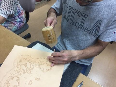 スタンピング中 レザークラフト教室 革工芸教室
