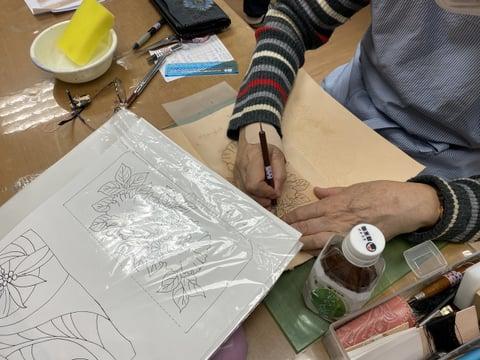 花のカービング レザークラフト教室 革工芸教室