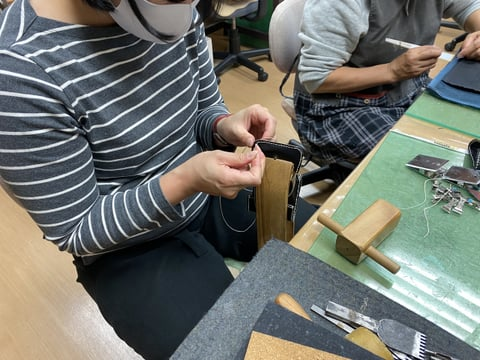 体験受講コインボックス  レザークラフト教室 革工芸教室