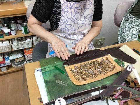 3段ファスナーバッグ仕立て レザークラフト教室 革工芸教室