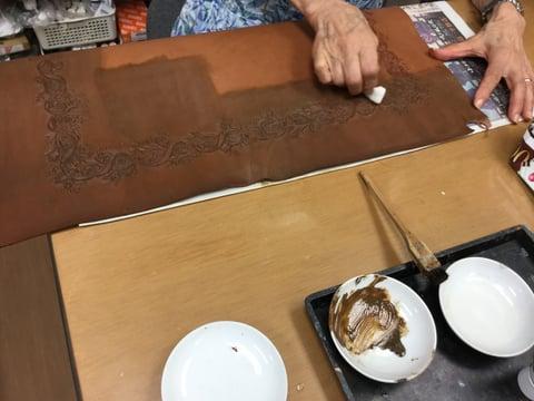 アンティーク拭き取り レザークラフト教室 革工芸教室