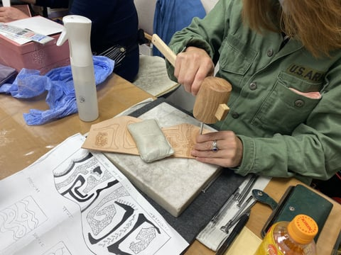 ペン立てスタンピング レザークラフト教室 革工芸教室