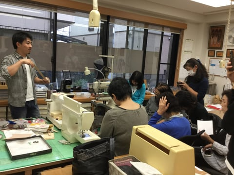 ミシン講習会説明中2 レザークラフト教室 革工芸教室