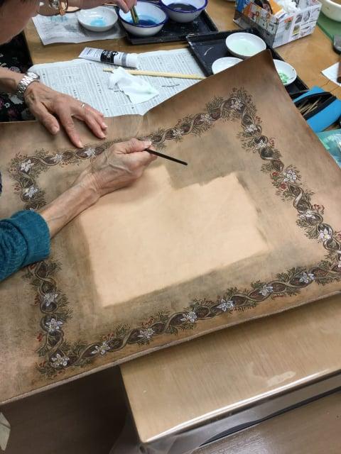 鏡染色中 レザークラフト教室 革工芸教室