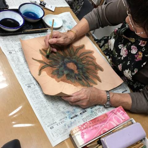 クッション染色中 レザークラフト教室 革工芸教室