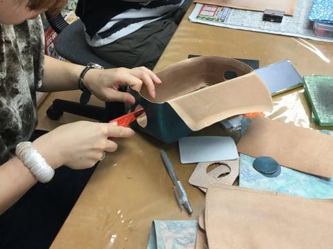 化粧ポーチ レザークラフト教室 革工芸教室