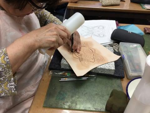 ゴートべべリング中 レザークラフト教室 革工芸教室