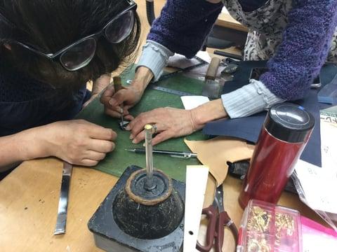 菊寄せ レザークラフト教室 革工芸教室