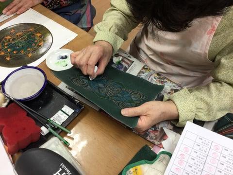 染色中2 レザークラフト教室 革工芸教室