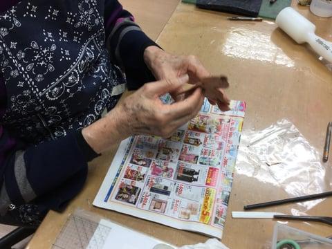 干支の置物製作中 レザークラフト教室 革工芸教室