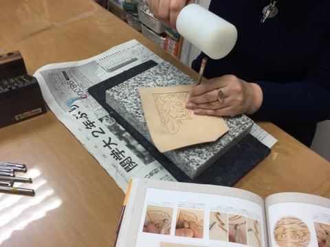 薔薇のカービング レザークラフ 教室 革工芸教室