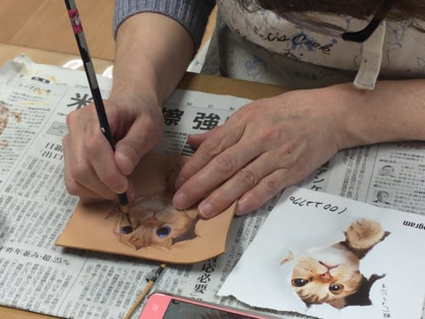 フィギュアカービング猫 レザークラフ 教室 革工芸教室