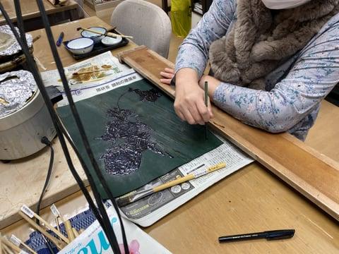 ろうけつ染め(蝋かすり)レザークラフト教室 革工芸教室