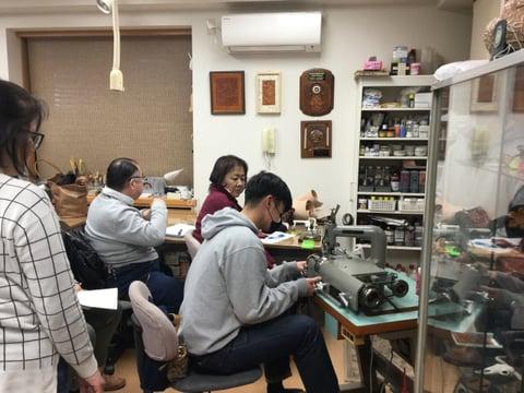 革漉き機実習 レザークラフト教室 革工芸教室