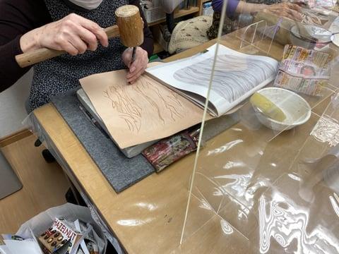 オリジナル図案のカービング レザークラフト教室 革工芸教室