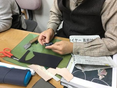 革のペンダント レザークラフト教室 革工芸教室